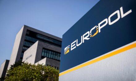 Avrupa polisi şifreli mesajlaşma uygulamalarının peşinde